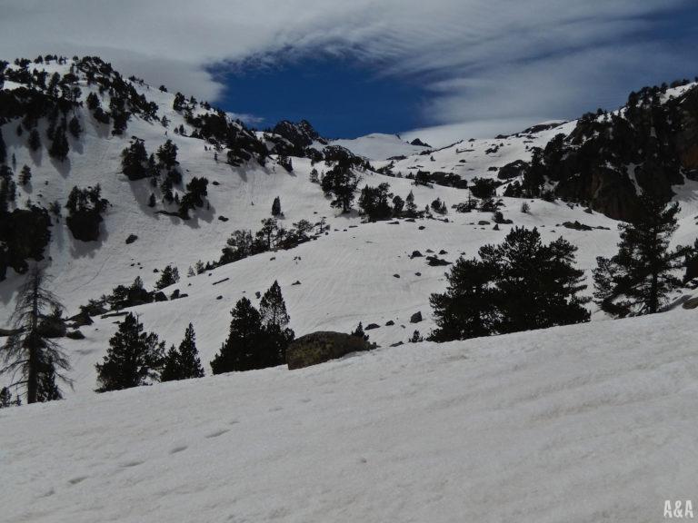 Gran baixada del Bassiero petit fins una mica més avall de l'Estany Blau.